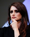 penelope-cruz-wasp-network-press-conference-at-new-york-film-festival-3.jpg